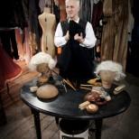 Sub Rosa – Angus MacNeil, wig master